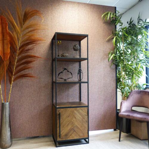 Sa Chi half open kast showroom